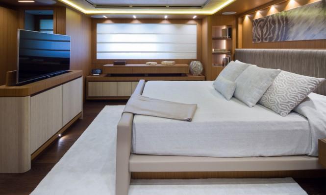 Super yacht YOLO - Cabin