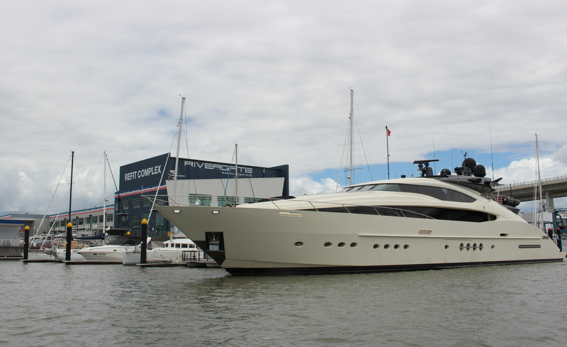 45m Palmer Johnson superyacht Vantage at Rivergate Marina and Shipyard — Luxu...