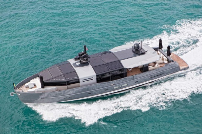 Arcadia 85 US edition luxury yacht Hull no. 8 from above