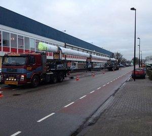 Mast for J Class J8 Yacht arrives at Holland Jachtbouw