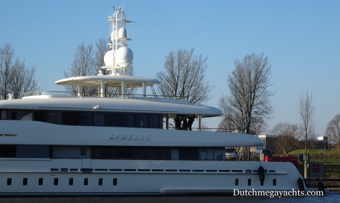 Heesen Sibelle superyacht with mast added - stern