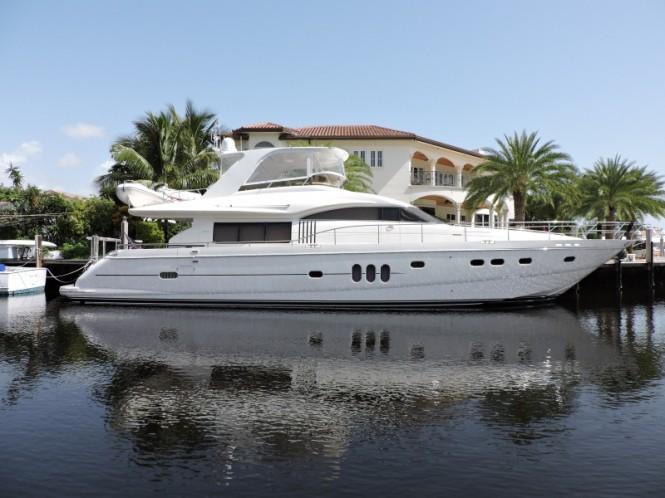 Luxury motor yacht Friendship
