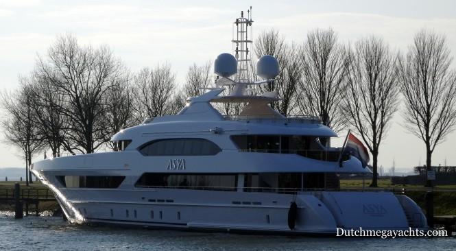 Luxury yacht ASYA - aft view