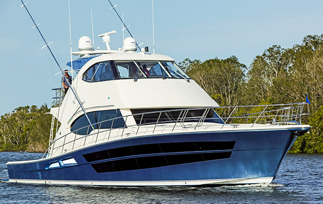 Luxury yacht Life Serenity underway