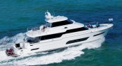 New Horizon V80 Yacht underway