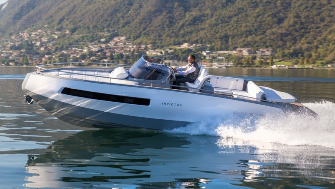 New Invictus 280GT superyacht tender at full speed