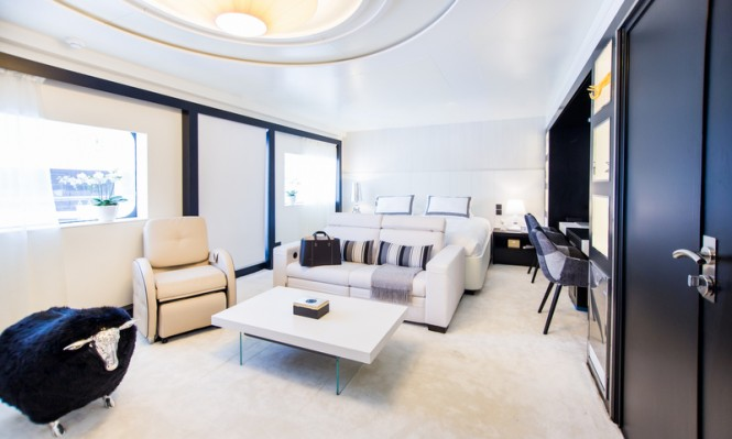 Luxury charter yacht Saluzi - Master Cabin