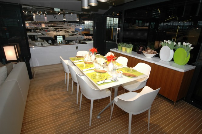 Luxury yacht Arcadia 85 - Dining