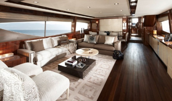 Luxury yacht Princess 98 - Saloon