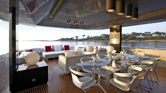 Arcadia 85 superyacht - Aft deck