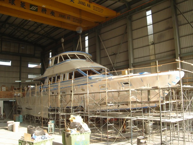 Superyacht Hunt 80 Sport under construction at Hunt Yachts