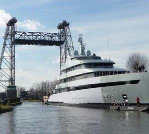 Photos from transport of 83m Feadship mega yacht SAVANNAH