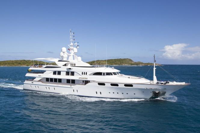 Luxury Yacht Starfire