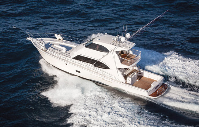 The supremely seaworthy Riviera 75 Enclosed Flybridge motor yacht Seabreeze underway