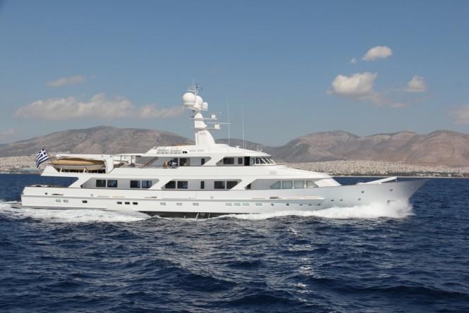 ANCALLIA Yacht - External profile