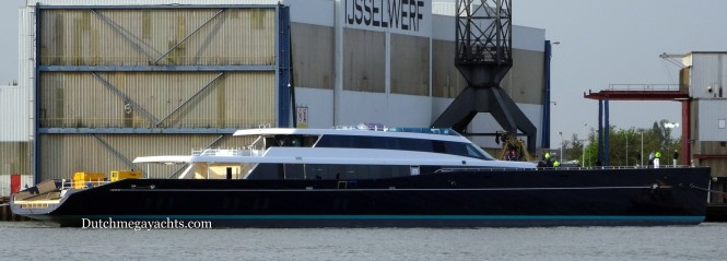 AQUIJO Yacht - side view - Photo by Dutchmegayachts