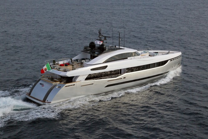 Columbus 40s Hybrid Yacht – Image credit to Thierry Ameller