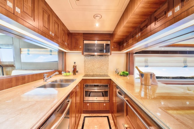 E78 Yacht - Galley