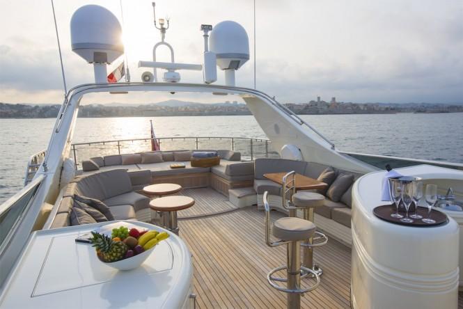 LITTLE JEMS yacht - sun deck