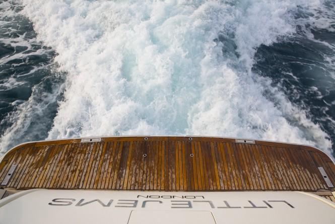 Little Jems yacht - beach platform