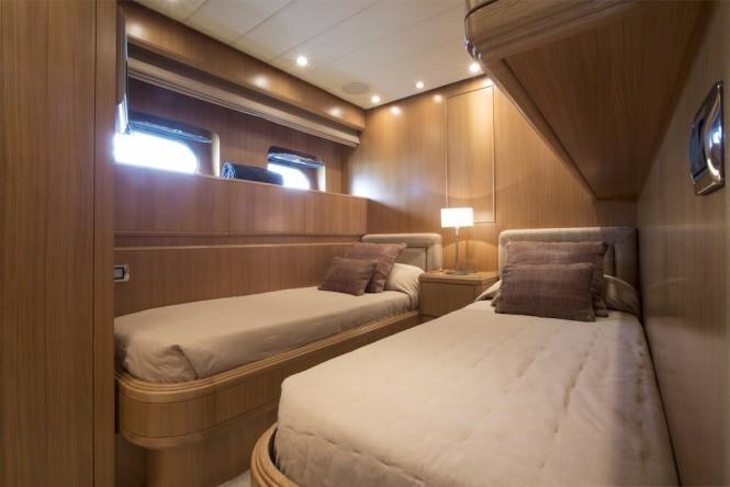Little Jems yacht - twin cabin