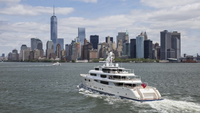Luxury motor yacht GRACE E heading to Manhattan - Photo by Onne van der Wal