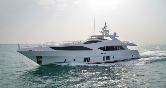Majesty 122 Yacht - Profile