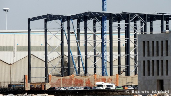 New Benetti shed for the construction of 100m+ Mega Yachts - Photo by Roberto Malfatti