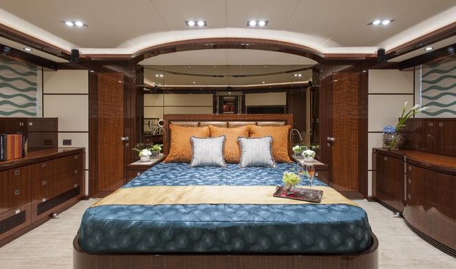 Super yacht e88 by horizon cabin yacht charter for By the cabin catamaran charters