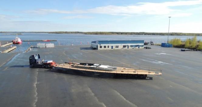 Transport of flush deck for superyacht Swan 115 FD - Photo by Nautors Swan
