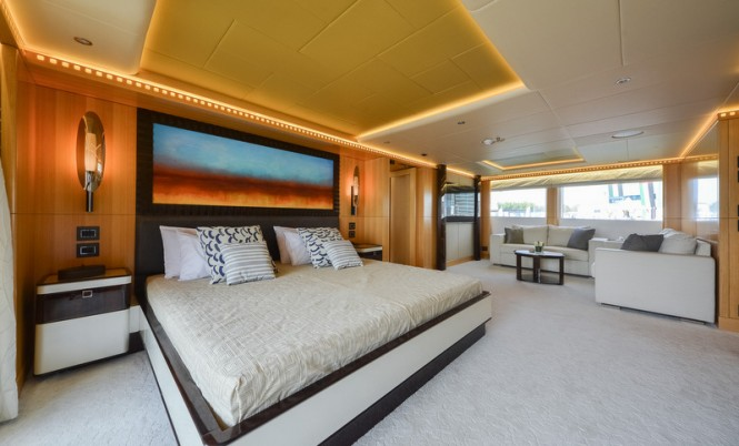 Luxury yacht Majesty 155 - Owners Stateroom
