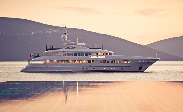 47m super yacht LADY PETRA by HEESEN