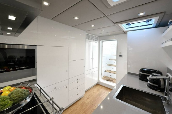 70 Sunreef Power yacht BLUE BELLY - Galley