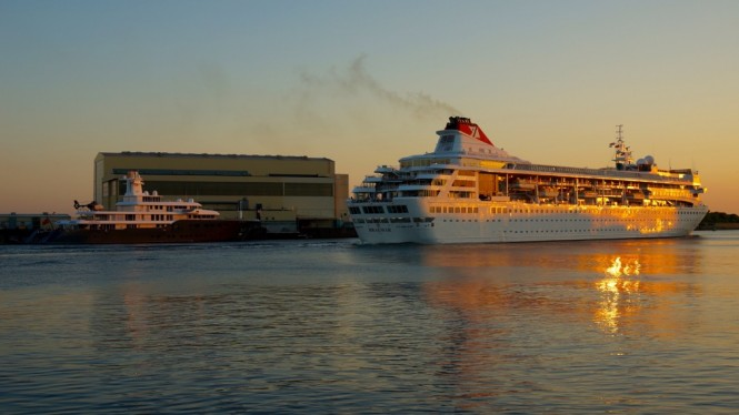 90m Lurssen Superyacht ICE next to the Braemar cruise ship - Photo by DrDuu