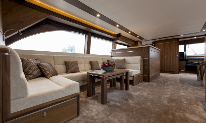 Luxury yacht SELENA - Saloon