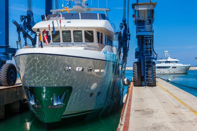 New Darwin Class 86 Superyacht STELLA DEL NORD at launch