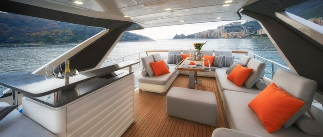 SY 70 Yacht - Exterior
