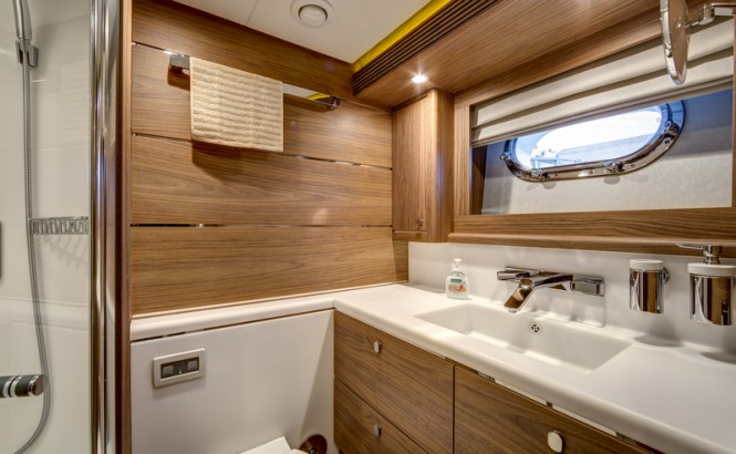 Super yacht SELENA - Bathroom