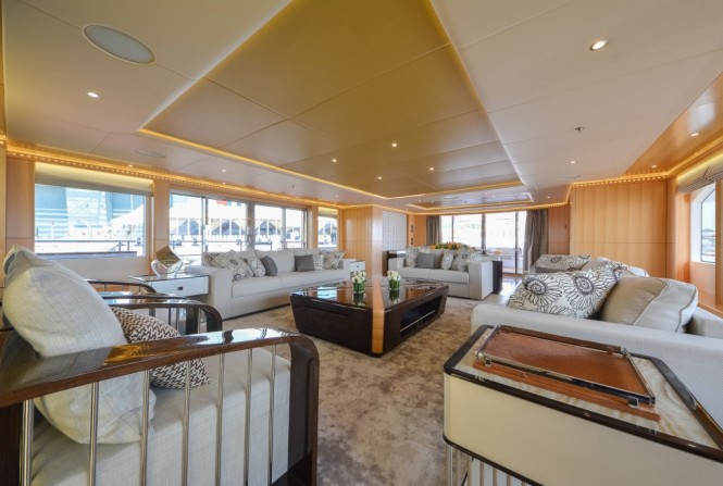 Superyacht Majesty 155 - Main Saloon