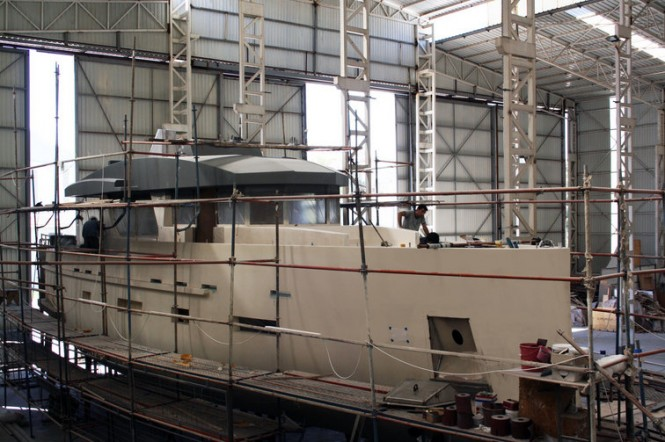 First motor yacht Bering 70 under construction