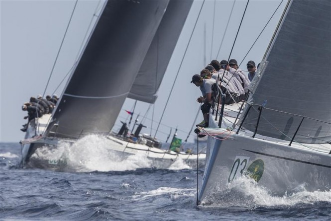 CAOL ILA R (USA) leading SHOCKWAVE (USA) upwind