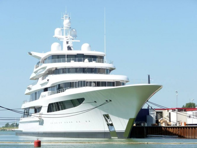 Feadship superyacht ROYAL ROMANCE (hull 1005) in Makkum on July 10 - Photo by Feadship Fanclub and Hanco Bol