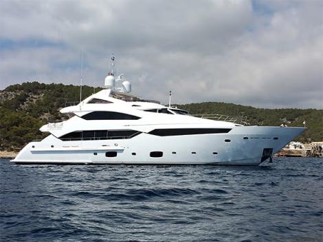 Sunseeker 40 Metre Yacht THUMPER