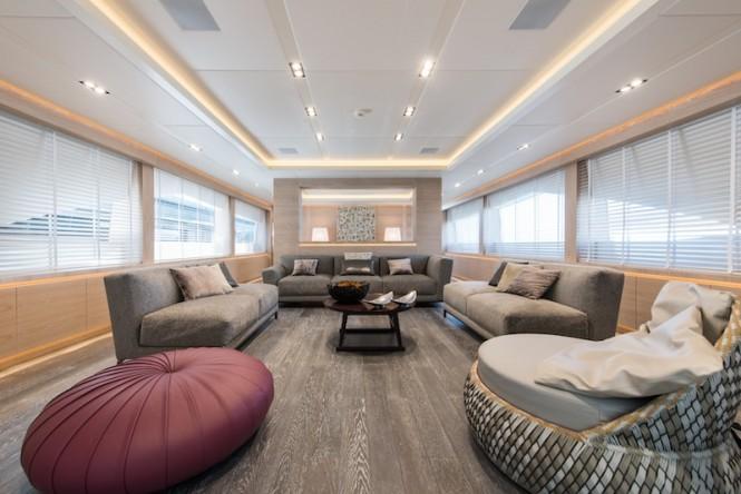 AB145 yacht - saloon