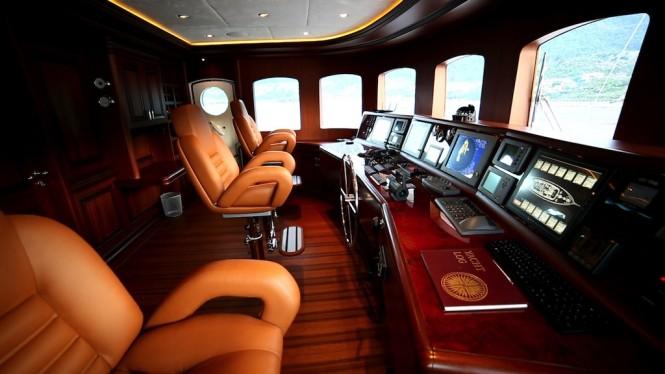 Clarity superyacht -upperdeck