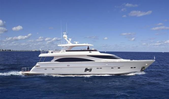 Horizon E88 open flybridge yacht