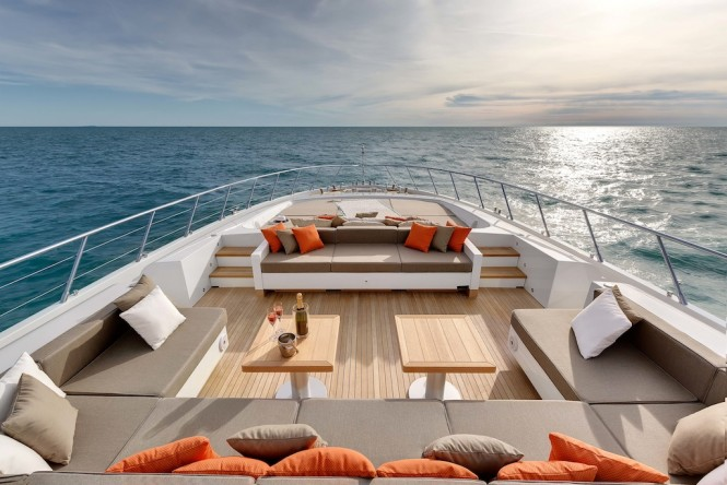 Luxury Yacht Mangusta 132 exteriors