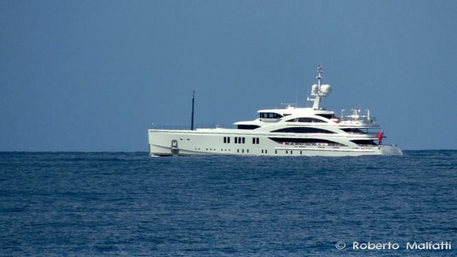 Luxury motor yacht 1111 - Photo by Roberto Malfatti