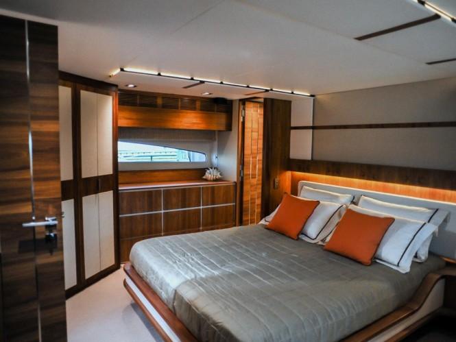 Luxury yacht Cresta 70 - Cabin