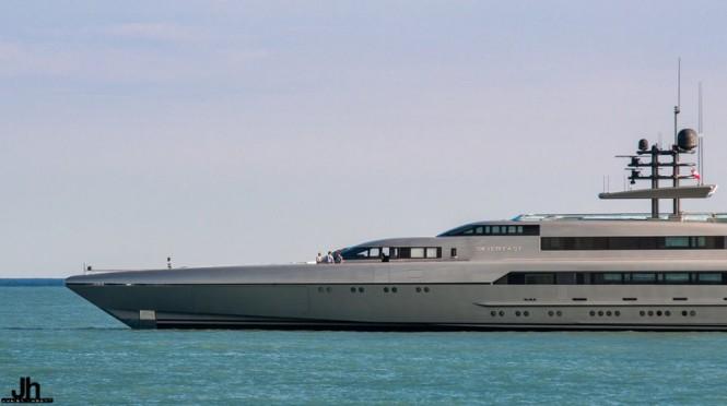 Luxury yacht SilverFast - Photo by Julien Hubert